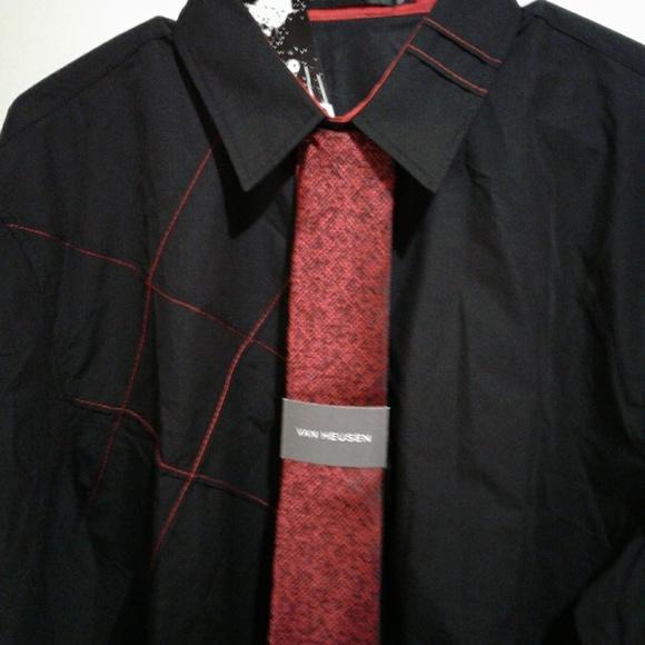 Van Heusen Other - 🌺 NWT Van Heusen Black/Red Textured Tie